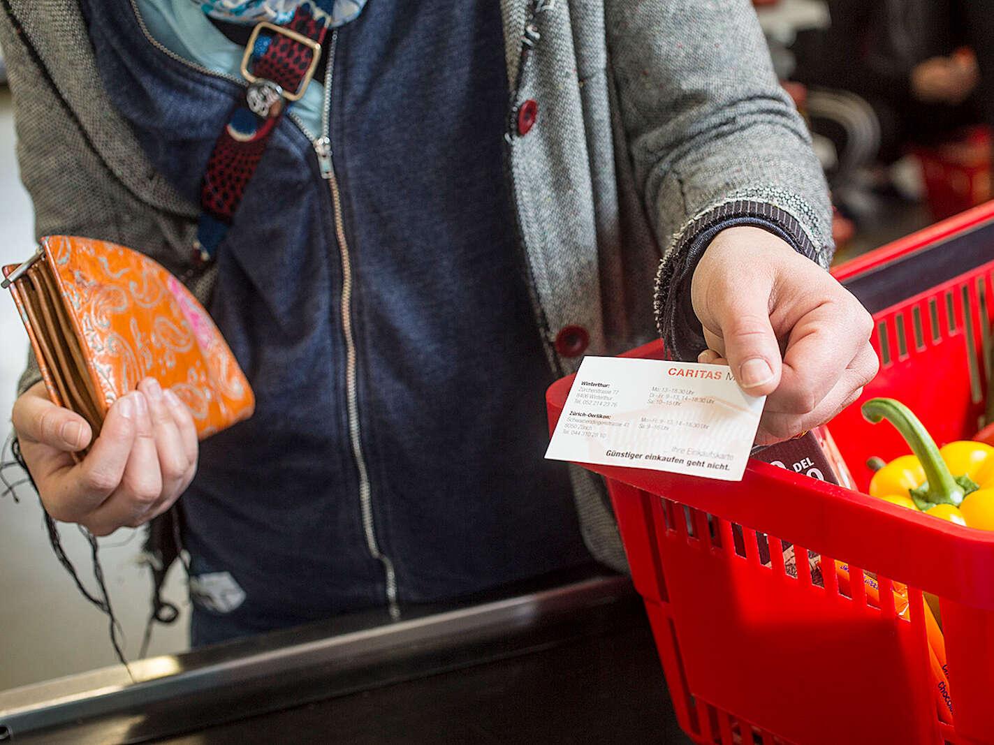 Caritas-Markt: besonders günstig einkaufen.</span><span>